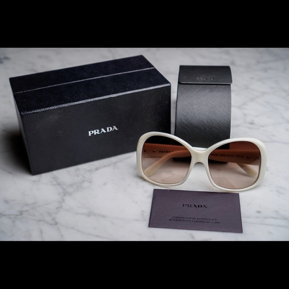 e697787dac8e2 Authentic Prada Sunglasses w Original Case   Box. M 5a943da3739d4856ab9ddd4f